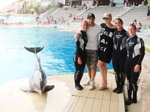 Marco Bocci e Laura Chiatti tra i delfini di Oltremare
